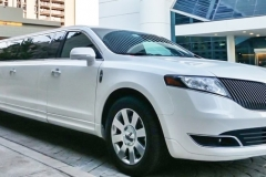 Lincoln-MKT-stretched-limo